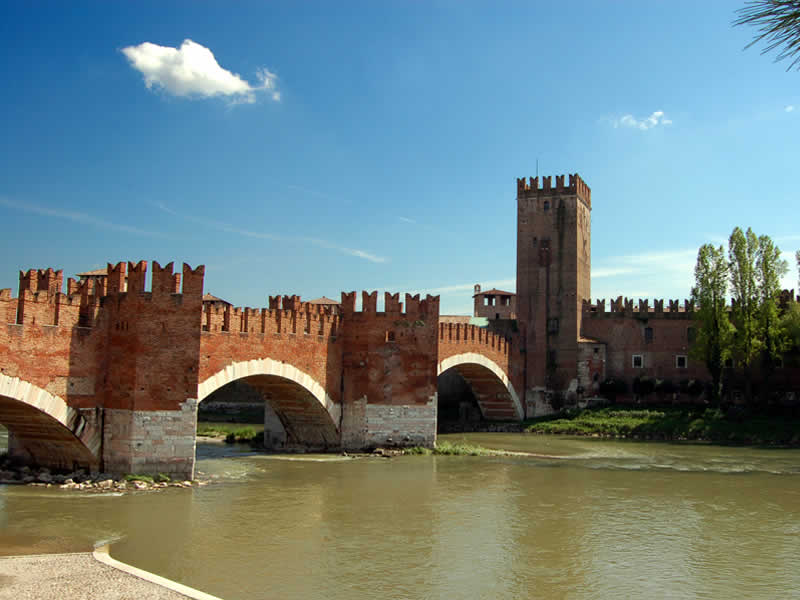 Bridge of Castelvecchio: Verona tour guide